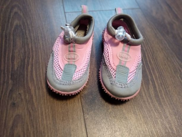 Buciki do wody 24, buty