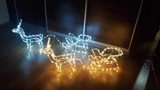Renifer z saniami ozdoby świąteczne