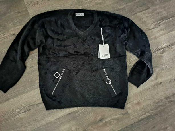 Sweterek alpaka czarny