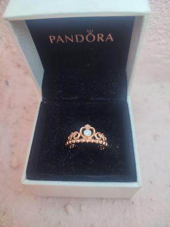 Anel Pandora Rose Golde My Princess Tiara