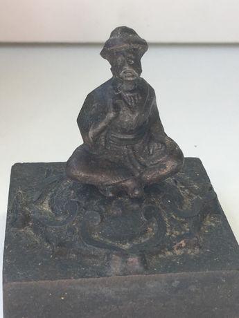 Pesa-papéis chinês, em ferro fundido, cerca 1900