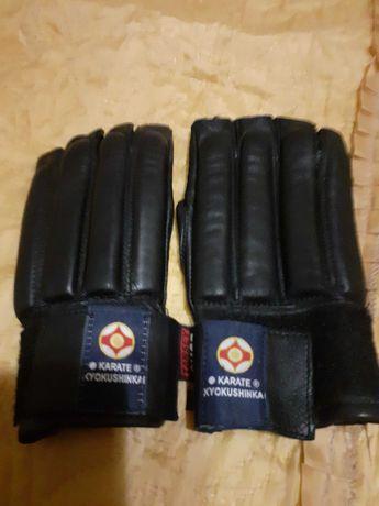 Перчатки для єдиноборств
