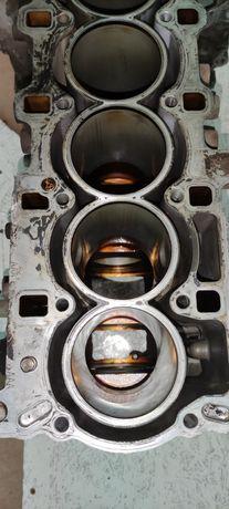 Блок цилиндров на Chevrolet Epika 2.5 6цилиндров. Под гильзовку