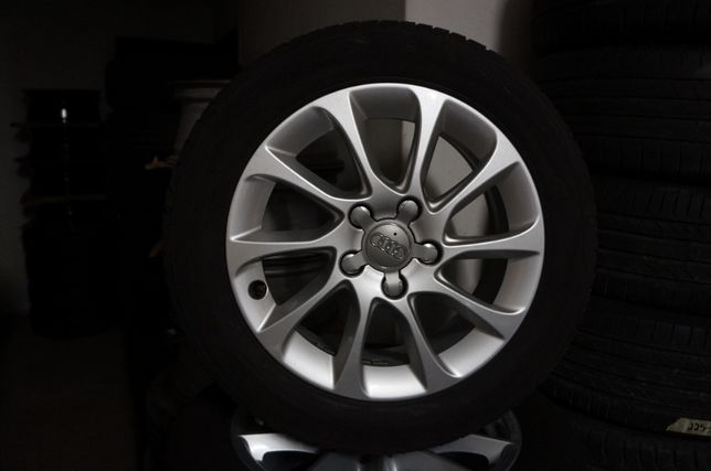 Jantes originais Audi com pneus