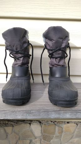 Зимові черевики на хлопчика