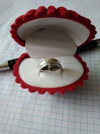 pierścionek srebrny, srebro