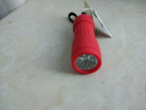 Nowa latarka ledowa, ultra jasna, z metką