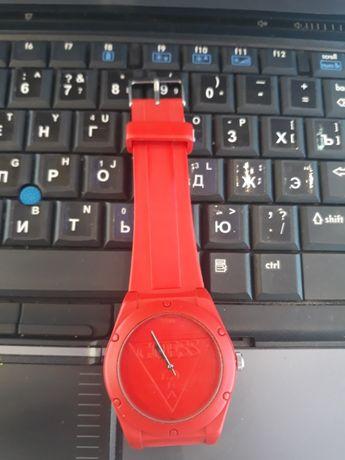 Часы Guess красные
