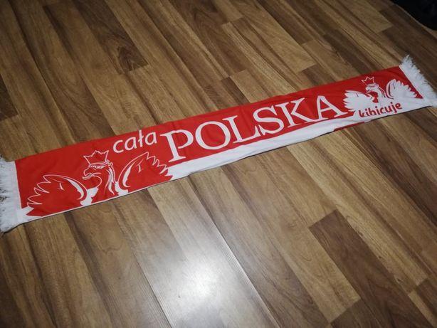 Dwa szaliki reprezentacji Polski