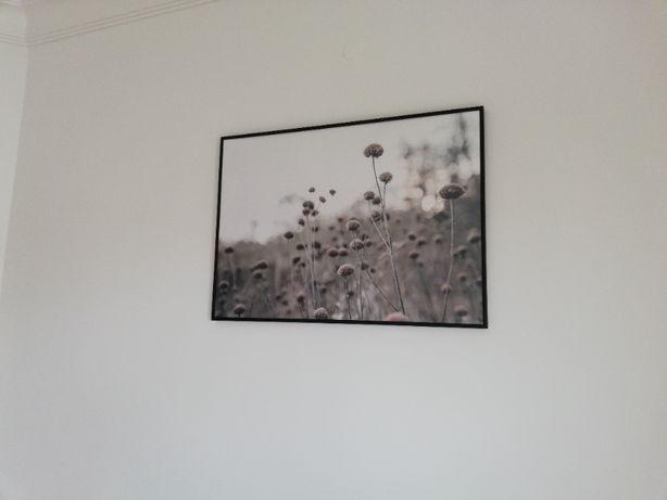 Quadro flores com moldura preta