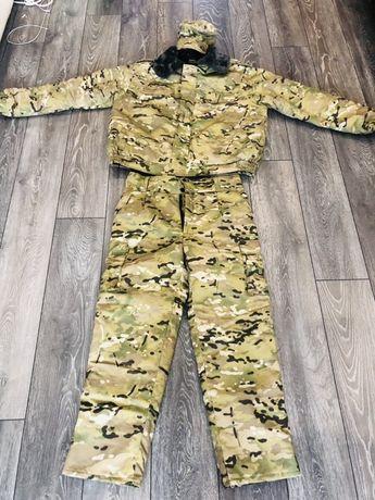 Продам теплый комуфляжный костюм