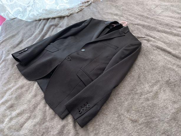 Продам новый мужской костюм с рубашкой, рост 1.60-1.65 новый дорогой