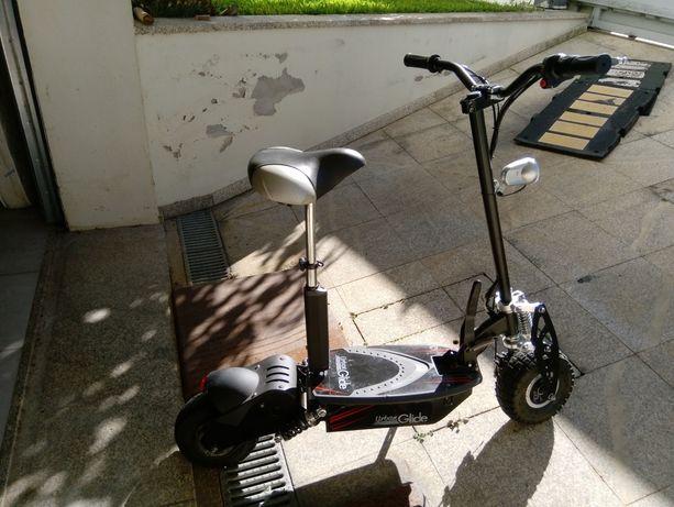 Vendo trotineta scooter elétrica com muito pouco uso
