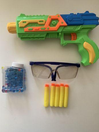 Продам детский набор для мальчика  бластер пистолет+ пули