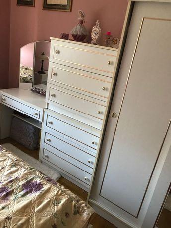 Meble, sypialnia, łóżko, komoda, szafa