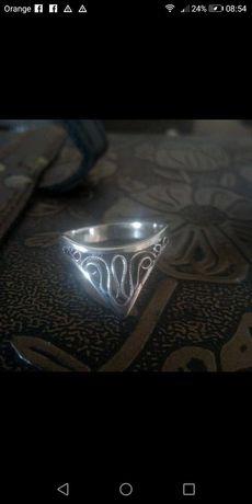 Srebrny pierścionek Warmet