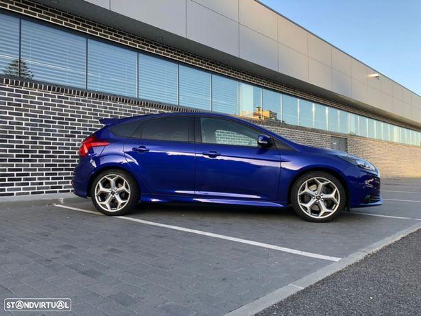 Ford Focus 2.0i ST