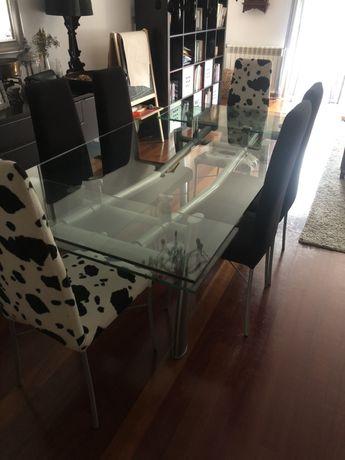 Vendo Mesa de vidro com ou sem 6 cadeiras  para sala de jantar
