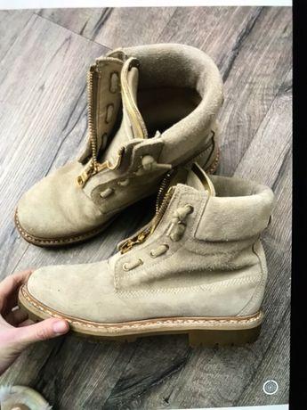 Поодам ботинки Balmain