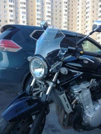 Ветровое стекло на мотоцикл