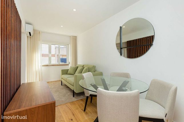 Apartamento T0 para arrendar com móveis nas Avenidas Novas