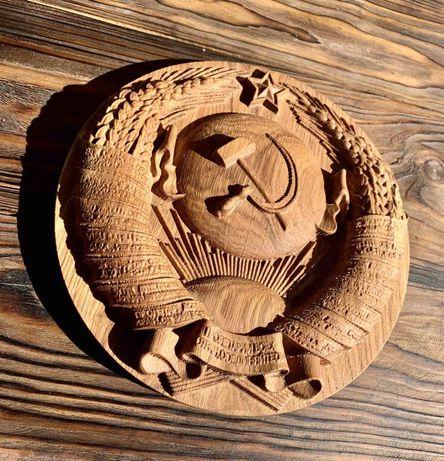 Герб СССР из дерева