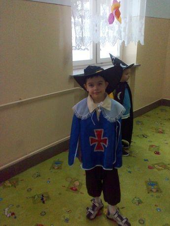 Bal , karnawał, kostiumy dla dzieci Muszkieterzy, Rozmiar 116, 134-140