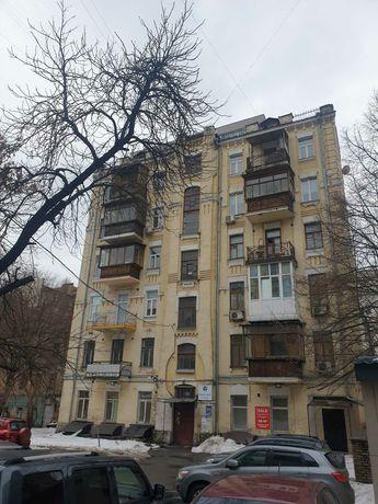 Продается в центре Киева: Большая 3-х, кв. 83м2. на Саксаганского 27