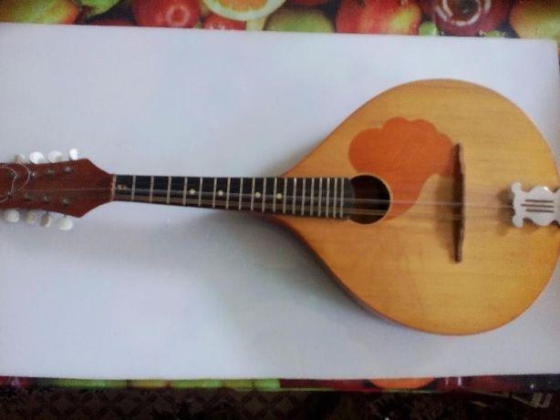Меняю мандолину в хор.раб.сост.на гитару или муз. аппаратуру!Варианты!