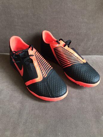 "Buty pilkarskie ""Turf"" Nike phantom venom nr 42"