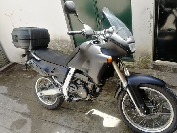 Aprillia Pegaso 650 GA - compatível com carta A2