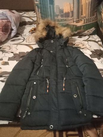 Продам зімню куртку в хорошому стані