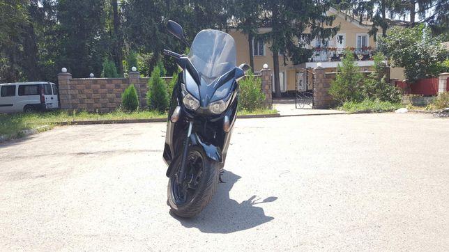Продам Yamaha X-Max 250
