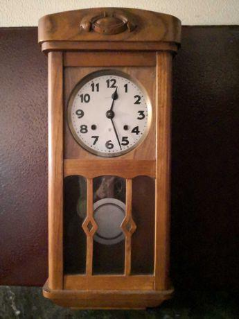 Relógio de parede antigo da famosa fábrica A BOA REGULADORA