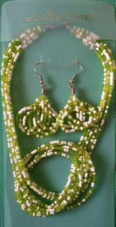 Детский подарочный набор из бисера (серьги+ожерелье). Fashion Jewelry.