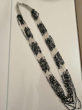 Długi naszyjnik z koralików czarno białe 10 żyłek
