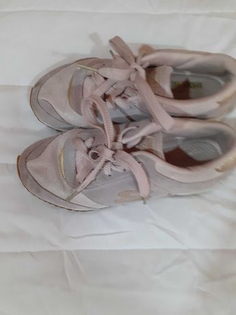 sapatilhas Skechers - tam. 35
