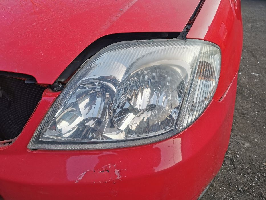 Lampa przednia lewa TOYOTA Corolla E12 EU