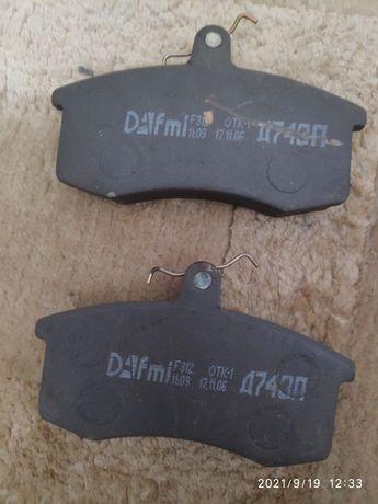 Колодки тормозные передние Dafmi Д743П