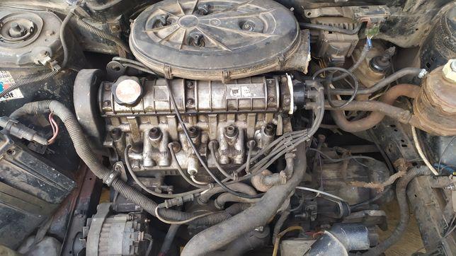 Двигатель мотор Рено 19 моновпрыск. Инжектор ГБЦ Рено 19 распредвал