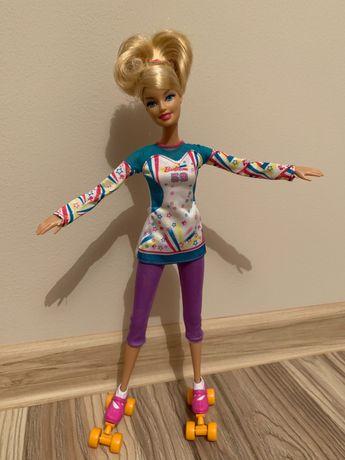 Lalka Barbie na wrotkach