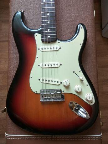 Продам электрогитару Fender Vintage American 62 stratocaster AVRI