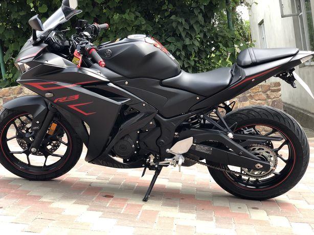 Yamaha yzf R3. Yamaha R3.