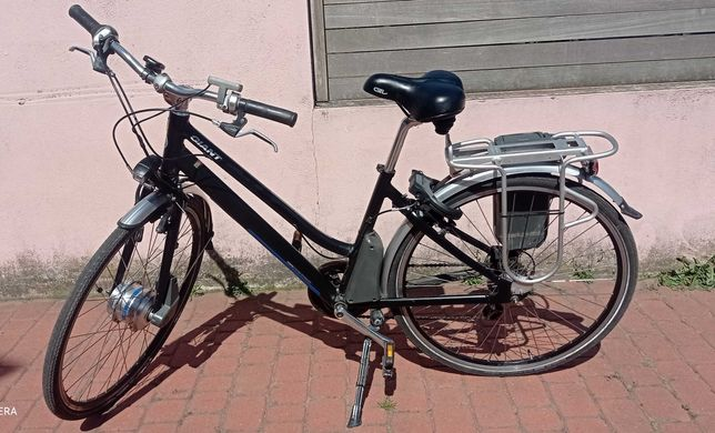 """Rower elektryczny Giant, rama 18"""""""