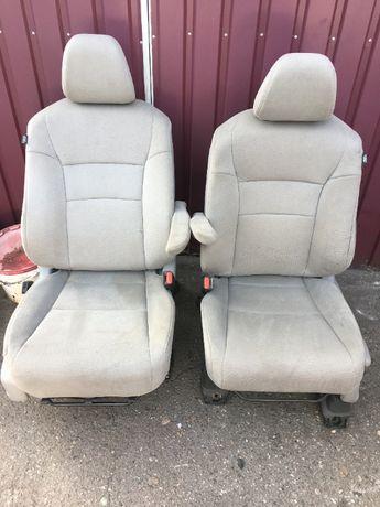 Продам сиденья на Honda Pilot