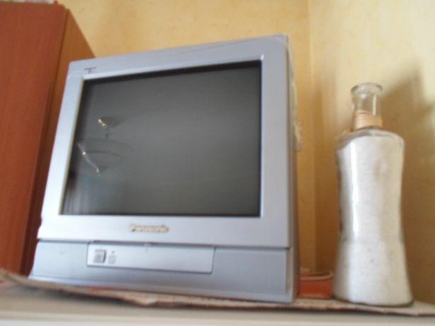 Телевизор цветной Панасоник