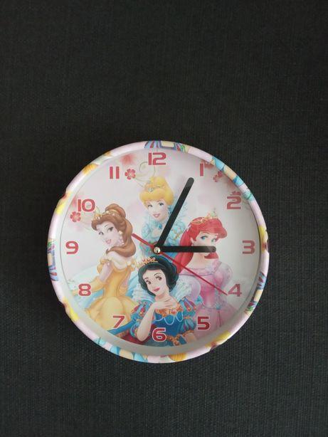 Zegarek ścienny-dziewczęcy
