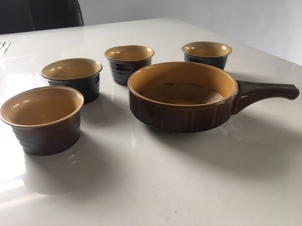 Stare naczynia miski