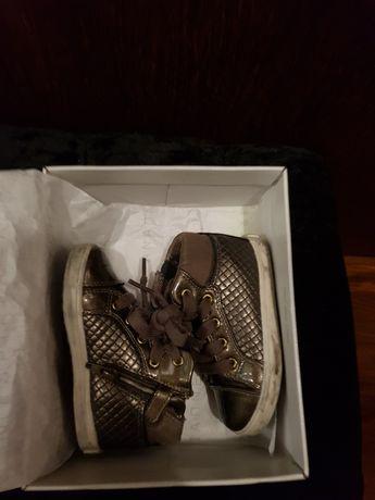 Vendo sapatilhas geox como novas tamanho 22