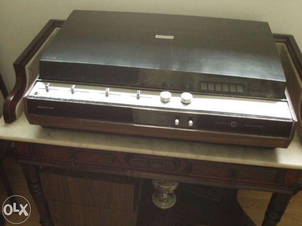 Sistema de som múltiplo antigo marca admiral